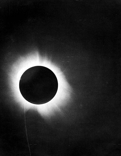 Nombre:  467px-1919_eclipse_positive.jpg Vistas: 589 Tamaño: 28,0 KB